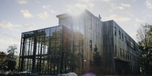 Roux Center for the Environment, Bowdoin College, thermally modified wood siding, glass wall auditorium