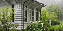 Arts and craft colonial trim detail