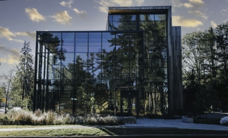 Roux Center for the Environment, Bowdoin College, glass wall