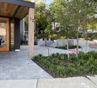 Magnus on Water, Biddeford, Maine, Bar and outside seating, Granite blocks
